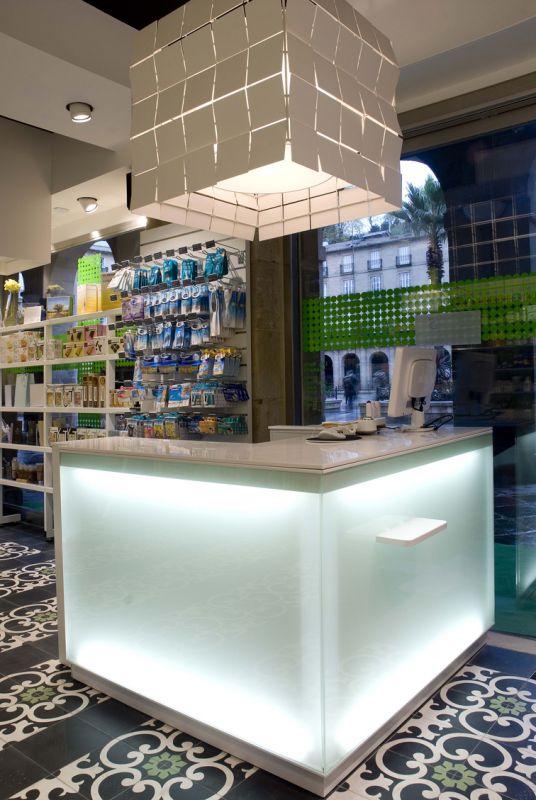 Atlantic agencement amenagement boutique point de vente mobilier sur mesure - Comptoir des cotonniers bilbao ...